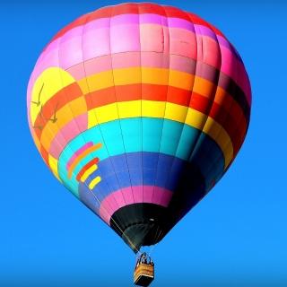 Półkolonie językowo-tematyczne hot-air-balloon-693452_1920