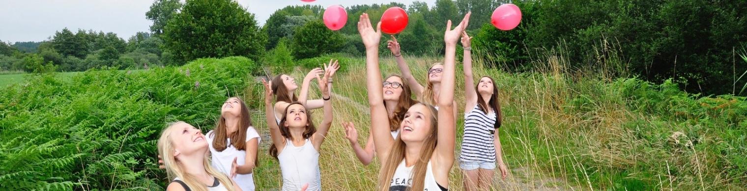 girls-1563093_1920